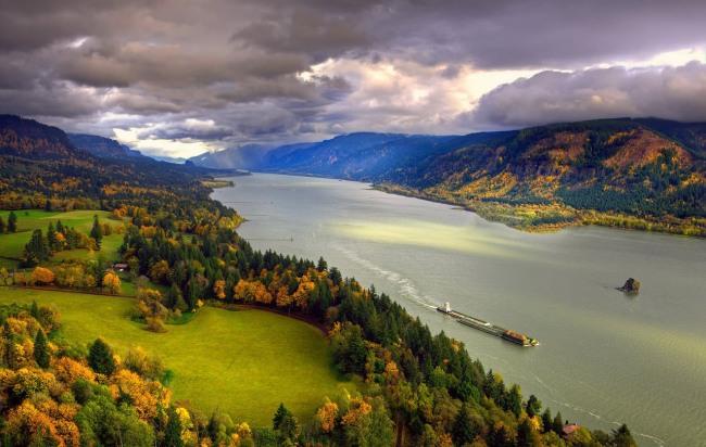 Долина річки
