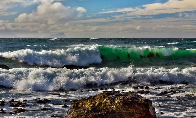 Смарагдова хвиля