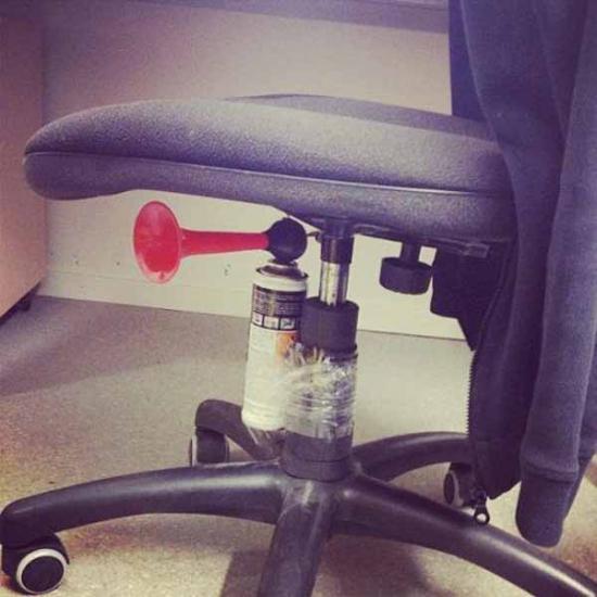 Буденний офісний гумор