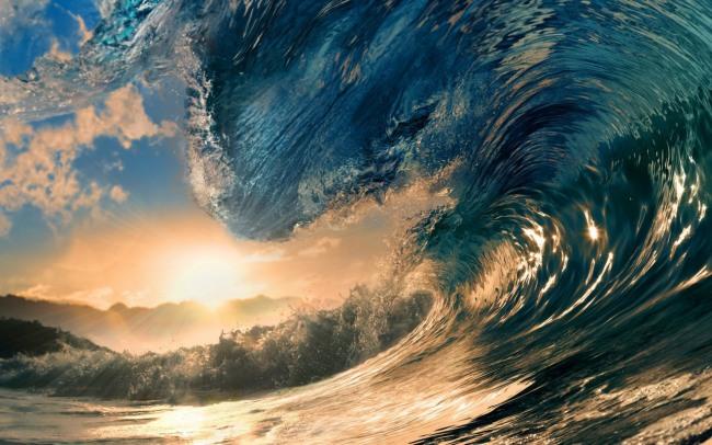 Хвиля на заході сонця