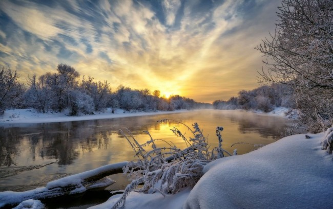 Зимовий схід сонця