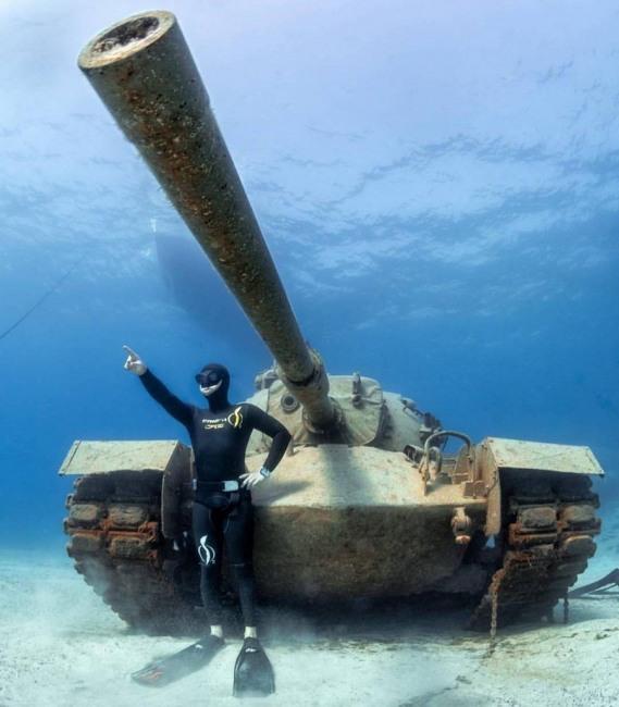 Підводний танк