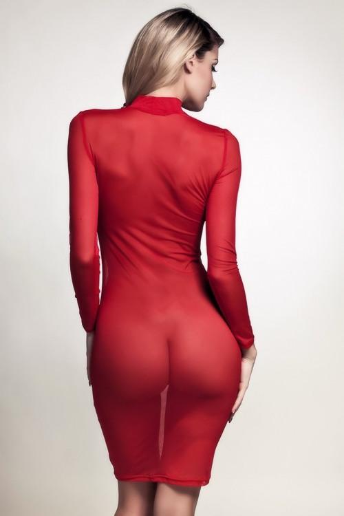 Напівпрозоре червоне плаття