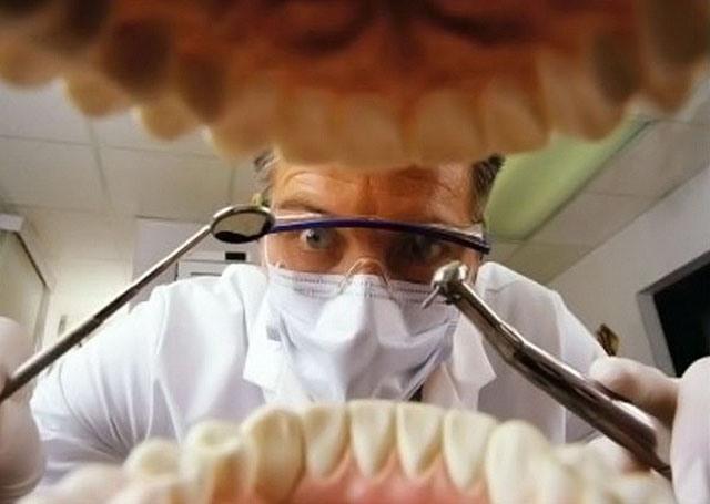 А я прийшов до стоматолога з відеофіксатором