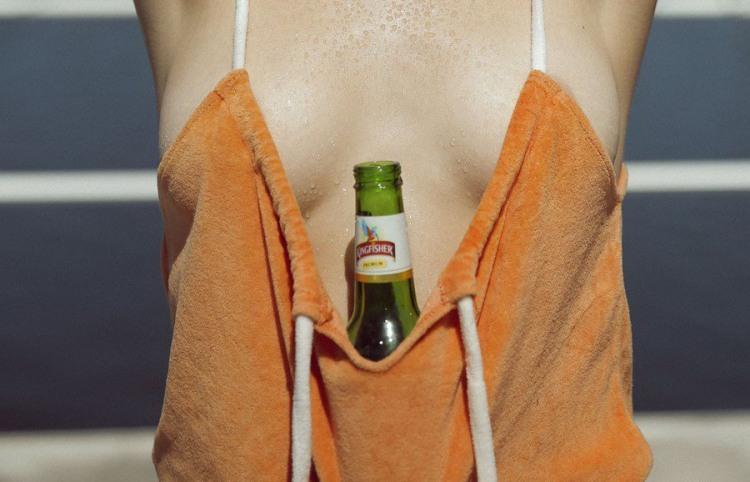 Під час спеки рятує холодне пиво