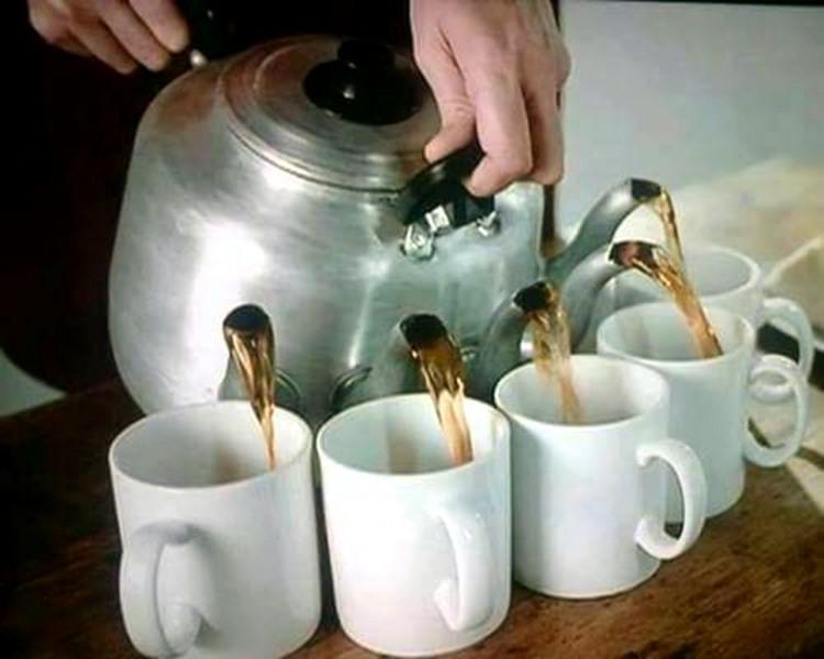 Чайник для групового розпивання чаю
