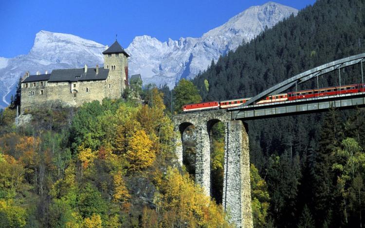 Міст в горах