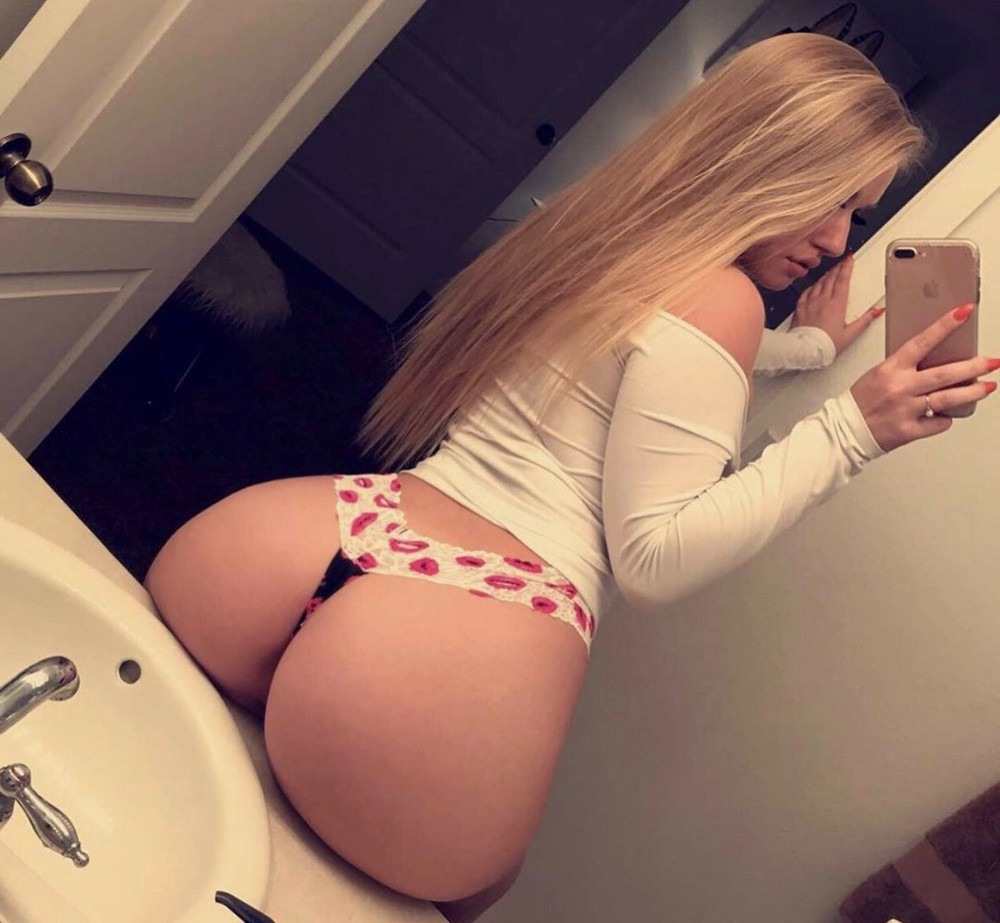 Big booty teen blonde, nude awimmers