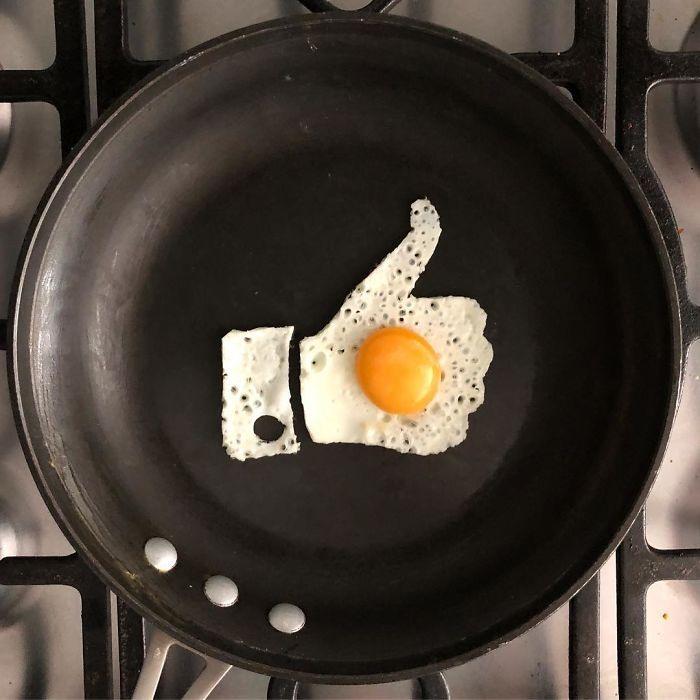 Лайк яйцем