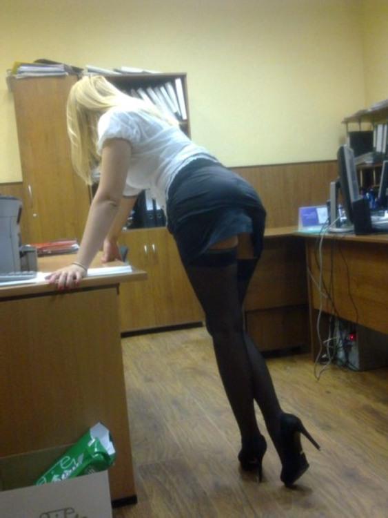Секретарка в нашому офісі
