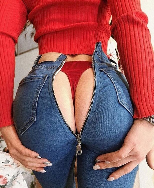 У жіночих джинсах блискавку перенесли на дупу
