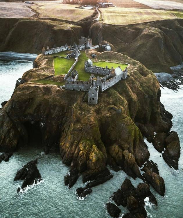 Замок на півострові