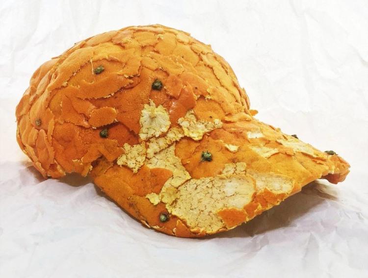 Кепка з шкурок апельсина