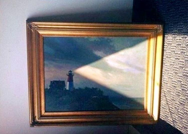 Світло від маяка
