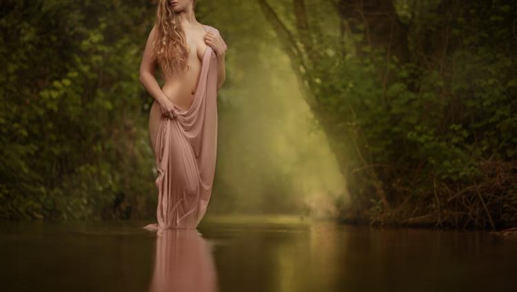 Еротика в лісі
